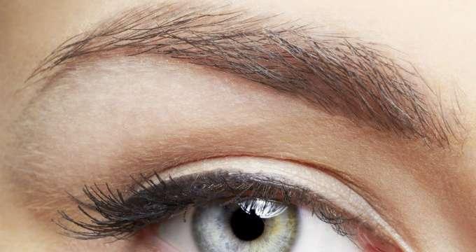 Solucionar el problema de cejas caídas